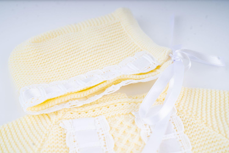 conjunto amarillo invierno